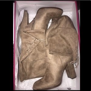 *WORN ONCE Vince Camuto thigh high heeled boots